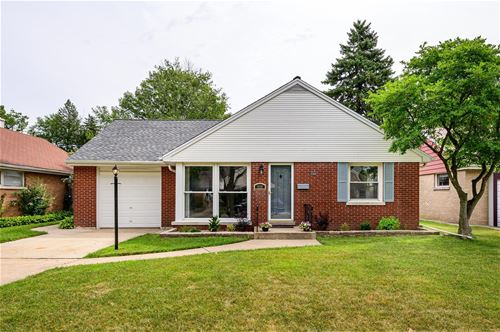 929 Portsmouth, Westchester, IL 60154