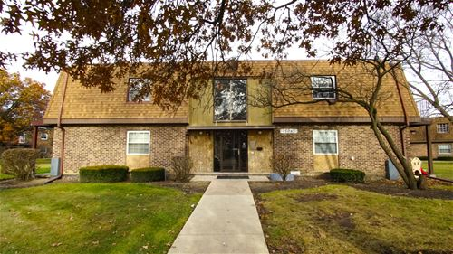 7S065 Suffield Unit 203-F, Westmont, IL 60559