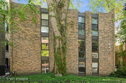643 W Barry Unit 1A, Chicago, IL 60657 Lakeview