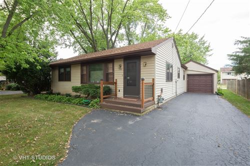 1382 North, Crystal Lake, IL 60014