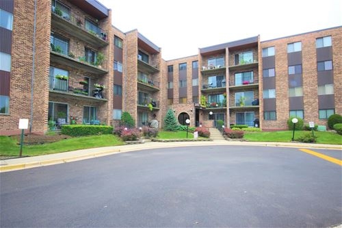 625 W Huntington Commons Unit 101, Mount Prospect, IL 60056