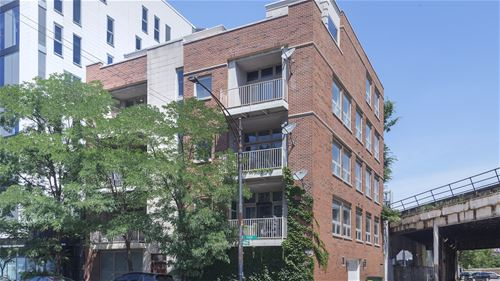 700 W Grand Unit 4EW, Chicago, IL 60654 Fulton River District