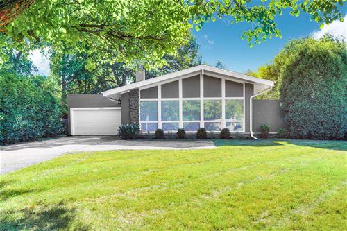 1051 Hohlfelder, Glencoe, IL 60022