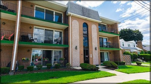 4007 W 105th Unit 3, Oak Lawn, IL 60453