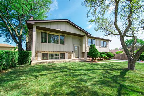 714 W Wrightwood, Addison, IL 60101