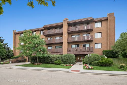 1795 Lake Cook Unit 105, Highland Park, IL 60035