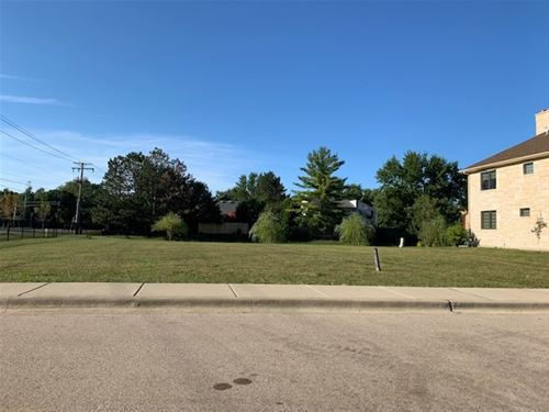 1435 Pfingsten, Northbrook, IL 60062