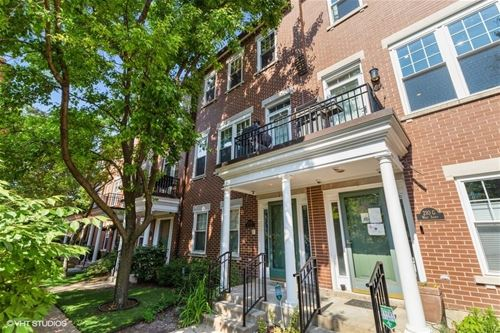 210 W Scott Unit H, Chicago, IL 60610 Old Town