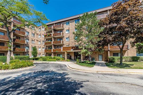 720 Wellington Unit 113, Elk Grove Village, IL 60007