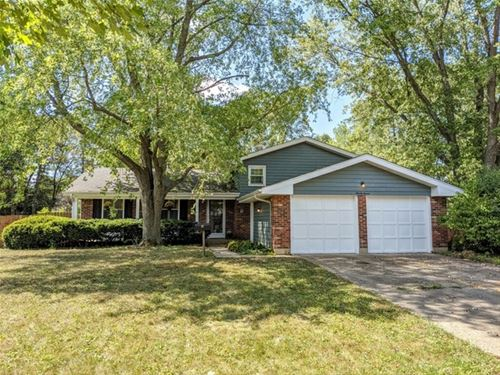 97 New Castle, Crystal Lake, IL 60014