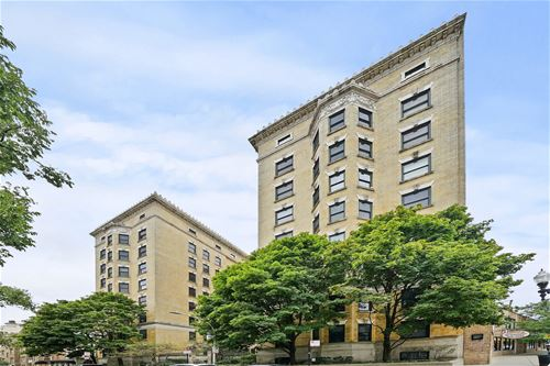 559 W Surf Unit 906, Chicago, IL 60657 Lakeview
