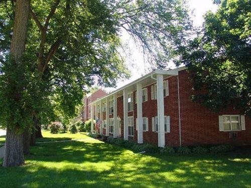 1777 Dewes Unit G, Glenview, IL 60025
