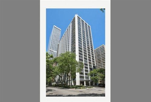 222 E Pearson Unit 2207, Chicago, IL 60611 Streeterville
