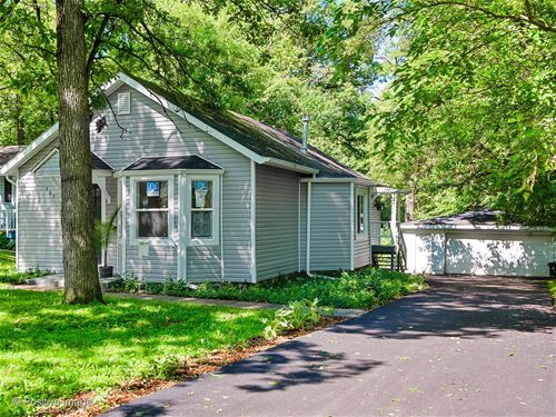 307 Wander, Lake In The Hills, IL 60156