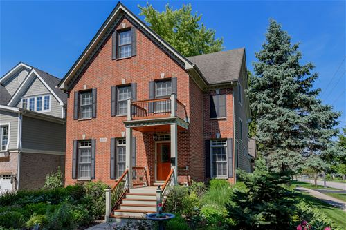 219 N Huffman, Naperville, IL 60540