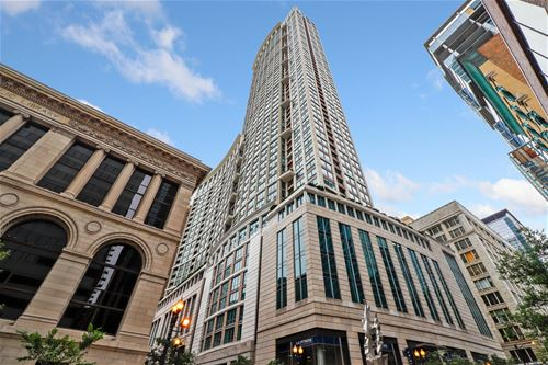 130 N Garland Unit 1302, Chicago, IL 60602 The Loop