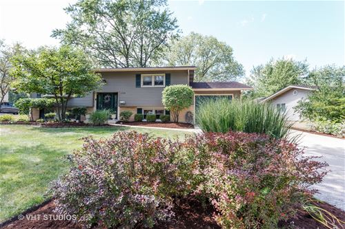 6530 Briargate, Downers Grove, IL 60516