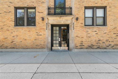4300 N Clark Unit 1, Chicago, IL 60613 Graceland West