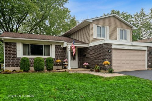 3010 Edgewood, Woodridge, IL 60517
