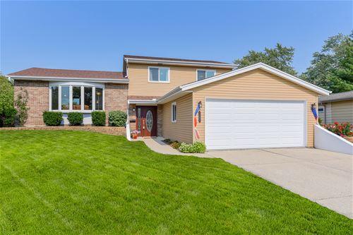 1551 Briarcliffe, Wheaton, IL 60189