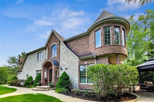 945 Hunter, Glenview, IL 60025