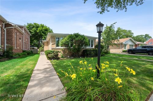 8508 Christiana, Skokie, IL 60076