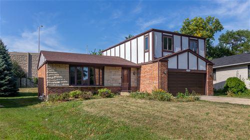 2946 W Briarwood, Mount Prospect, IL 60056