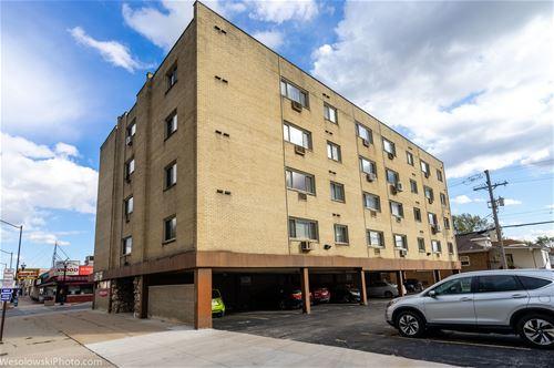 7733 W Belmont Unit 203, Elmwood Park, IL 60707