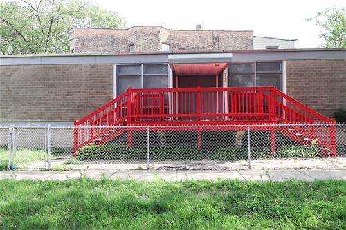 6500 S Eberhart, Chicago, IL 60637 West Woodlawn