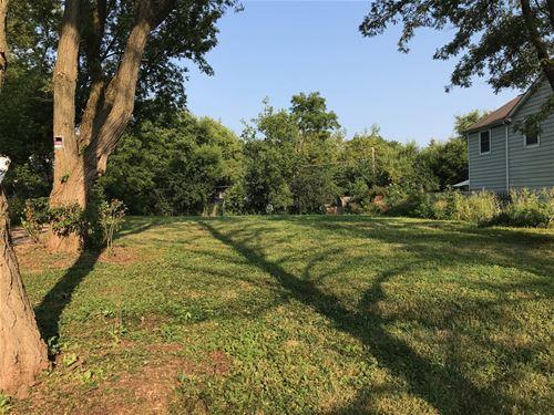 923 S Grove, Barrington, IL 60010