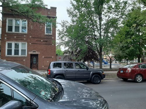 4152 N Richmond, Chicago, IL 60618 Irving Park