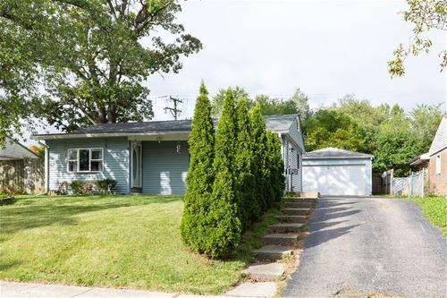6 Evergreen, Carpentersville, IL 60110