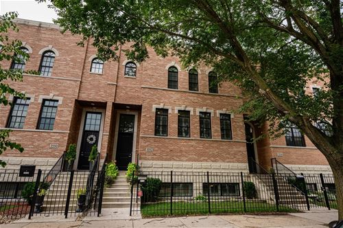 3552 N Hoyne, Chicago, IL 60618 Roscoe Village
