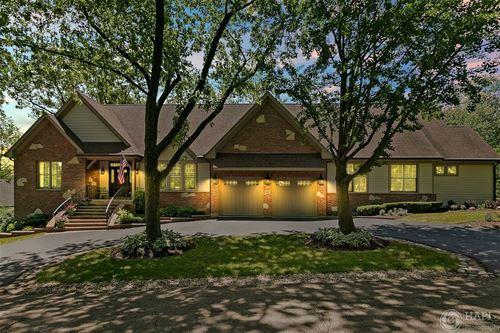 801 S Grove, Barrington, IL 60010