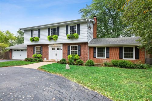 145 Foxwood, Barrington, IL 60010