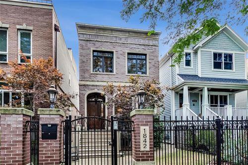 1842 W Nelson, Chicago, IL 60657 Hamlin Park