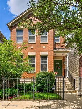 352 W Scott, Chicago, IL 60610 Old Town