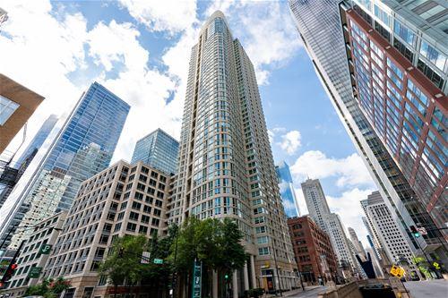 345 N La Salle Unit 2809, Chicago, IL 60654 River North