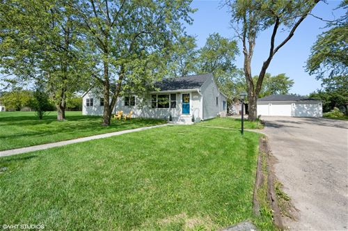 3210 Thornberry, Glenview, IL 60025