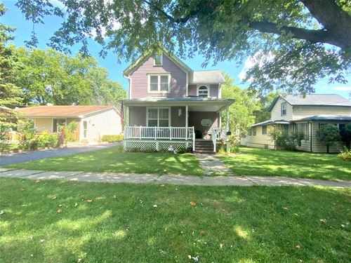 1018 Clay, Woodstock, IL 60098