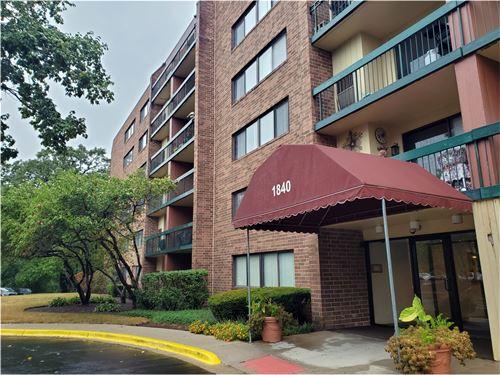 1840 Huntington Unit 513, Hoffman Estates, IL 60169