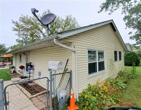 16 Aspen, Carpentersville, IL 60110