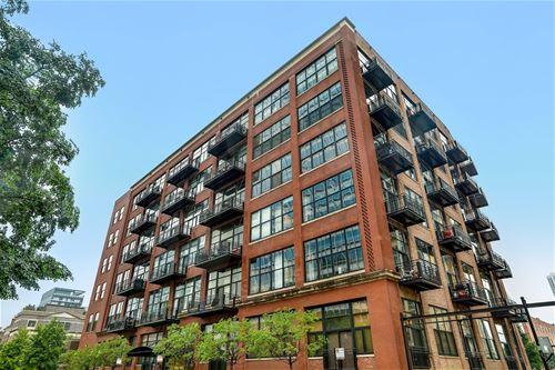 525 W Superior Unit 329, Chicago, IL 60654 River North