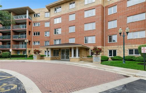 720 Creekside Unit 504, Mount Prospect, IL 60056