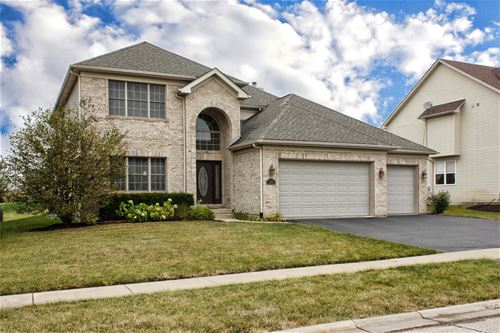 5267 Greenshire, Lake In The Hills, IL 60156