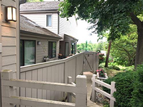 428 Valley View, Lake Barrington, IL 60010