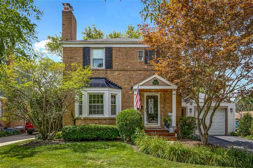 422 S Vail, Arlington Heights, IL 60005