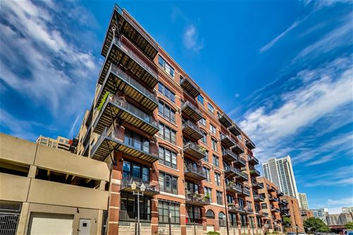 226 N Clinton Unit 312, Chicago, IL 60661 Fulton River District