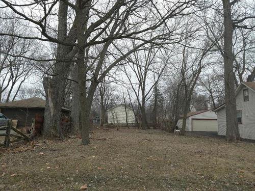 121 Mayfield, Crystal Lake, IL 60014