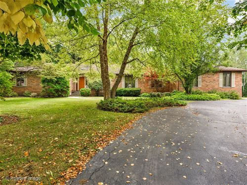 1689 Stratford, Lake Forest, IL 60045